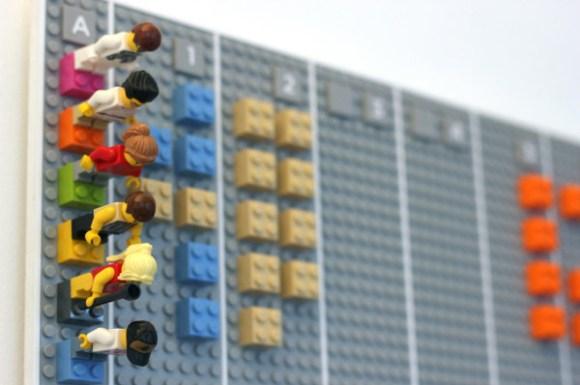 Calendario feito de Lego - Viana Negócios Imobiliários - Apartamentos, Casas, Imóveis, Lançamentos em São Caetano do Sul, São Bernardo, Santo André, ABC e São Paulo