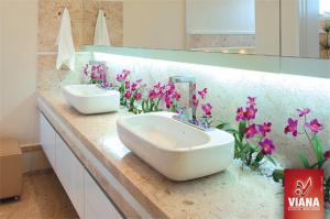 Flores-na-decoração-do-banheiro-013